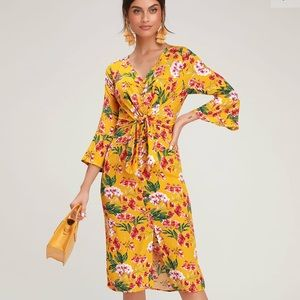 NEW Lulus April Floral Button Front Midi Dress